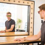 Основните предимства на дървените очила пред класическите такива